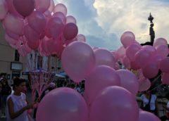 """""""Arrestiamo la malattia"""", Pink Pratola presenta il libro fotografico dedicato alle donne combattenti"""