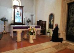 Preghiera e carità. Parrocchia della Tomba e Confraternita di Santa Maria di Loreto