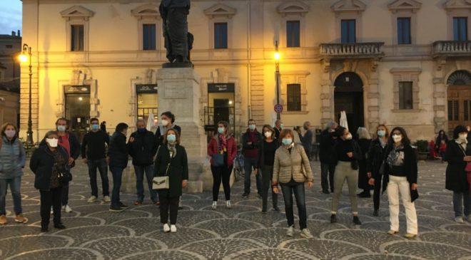 """Isola pedonale da mantenere sempre, """"Sulmona senza smog"""" torna alla carica"""